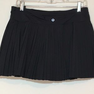 Black Pleat to Street LuluLemon Skirt 8